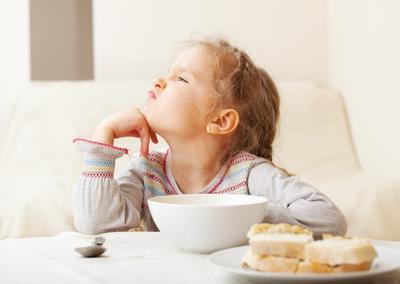 Pilih Menu Sahur Sehat Agar Perut Tak Begah, Ini Tipsnya Moms