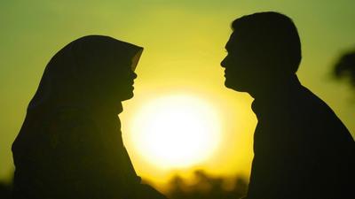 Hati-Hati, Moms! Cari Tahu Hukum Berhubungan Seksual Suami Istri di Bulan Ramadhan