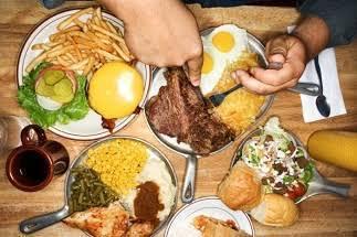 Jangan Langsung Makan Berat Saat Berbuka Puasa