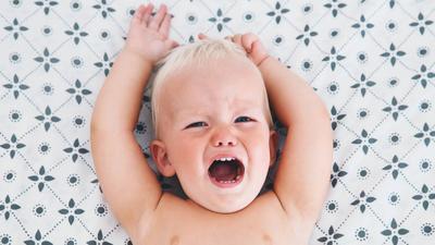 Waspada Kepala Bayi Terbentur, Ketahui Bahaya dan Pertolongan Pertamanya Moms!
