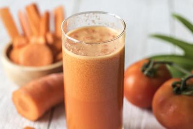 Ragam Manfaat Jus Tomat dan Wortel, Intip Juga Resep Segarnya, Moms!