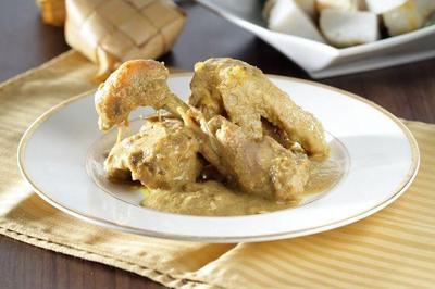 Resep Opor Ayam Kutai untuk Sajian Lebaran
