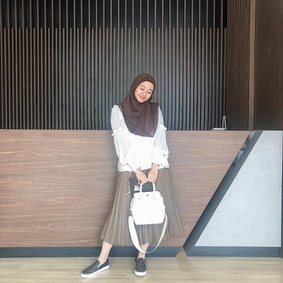 Hijab Ala Laudya Cynthia Bella