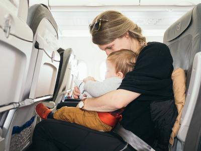 Dibully Soal Kesal Karena Bayi Menangis di Pesawat, Angela Gilsha Masuk Media Asing