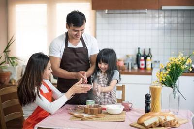 Biar Makin Akrab, Ini Tips Sukses Siapkan Ritual Makan Bersama Keluarga