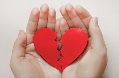 5 Bahaya Patah Hati Bagi Kesehatan, Bahkan Bisa Menyebabkan Kematian Loh Moms!