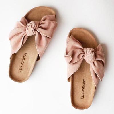 Tips Memilih Sepatu Sandal Ibu Hamil yang Modis dan Nyaman untuk Lebaran