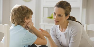 Bagaimana Cara Menjelaskan Menstruasi Pada Anak Laki-Laki?