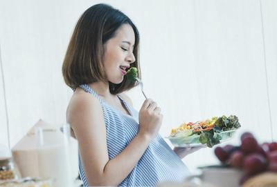 Jangan Takut Ngemil, Ini Cemilan Sehat Kaya Nutrisi untuk Ibu Hamil