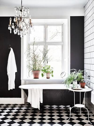 Yuk, Moms! Buat Rumah Jadi Instagenic dengan Kombinasi Warna Hitam Putih Pada Dinding