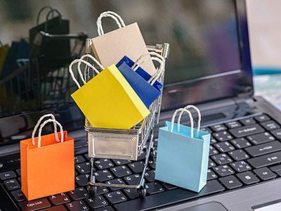 Moms, Perhatikan Hal Ini Agar Tidak Salah Ukuran Saat Berbelanja Baju Online!