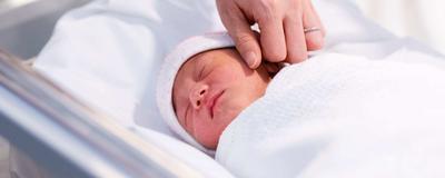 Jangan Posting Foto Sembarangan! Ini Dia Daftar Etika Menjenguk Bayi Baru Lahir