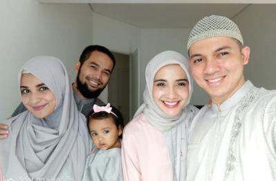 Buat Pasangan Baru, Simak Tips Membagi Waktu Saat Lebaran dengan Orangtua & Mertua