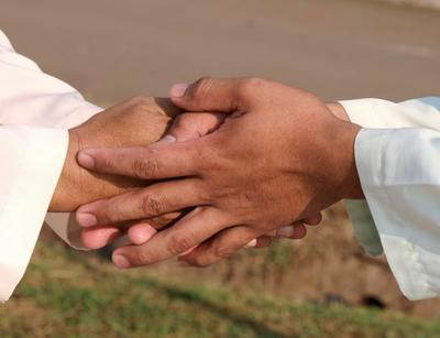 Jangan Jadi Nyebelin, Basa-Basi Ini Harus Dihindari Saat Silaturahmi Lebaran