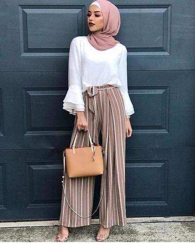 Lebaran Anti Mati Gaya dengan 6 Inspirasi Padu Padan Celana Kulot Salur Ala Hijabers
