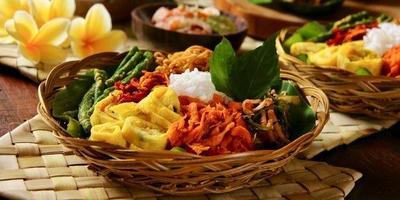3 Makanan Khas Bali yang Tak Kalah Nikmat dari Ayam Betutu