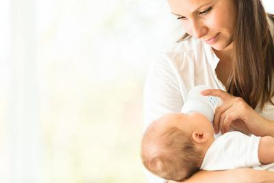 Suka Duka Menyapih Buah Hati, Ini 4 Hal yang Perlu Moms Ketahui