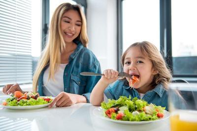 1. Perhatikan Asupan Nutrisi Anak