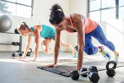 Bakar Ratusan Kalori dengan Olahraga HIIT Cardio, Intip Gerakannya Yuk Moms!