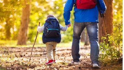 Tips Mendaki Gunung Bersama Anak, Ini 6 Hal yang Harus Diperhatikan