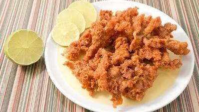 4 Kreasi Resep Kulit Ayam yang Lezatnya Menggoda, Coba di Rumah Yuk Moms!