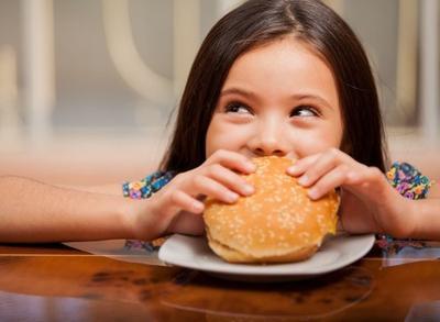 Si Kecil Picky Eater? Coba Resep Burger McD Rumahan untuk Bekal Sekolah Anak, Moms