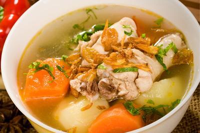 Makan Sup Ayam