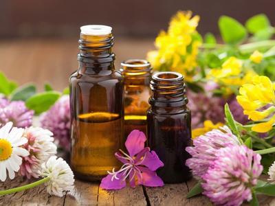 10 Essential Oil yang Bisa Meningkatkan Kesuburan Wanita