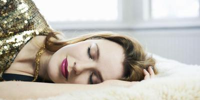 Tidur dengan Makeup di Wajah
