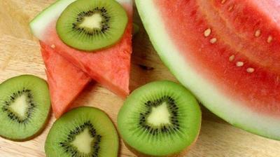Jus Buah Semangka dan Kiwi, Sukses Lancarkan Program Diet Lho!