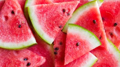 Fakta Nutrisi Buah Semangka, Gak Cuma Menyegarkan Lho!