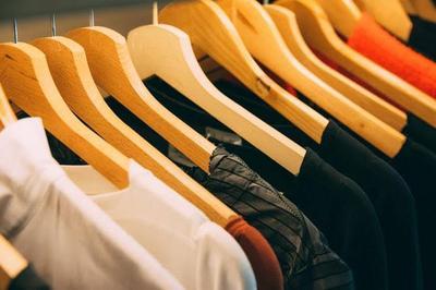 4. Pakaian Ganti
