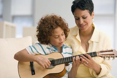 Bagus untuk Tumbuh Kembang Anak, Ini 5 Manfaat Mengenalkan Musik Sejak Dini