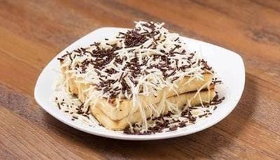 3. Roti Bakar Coklat Keju