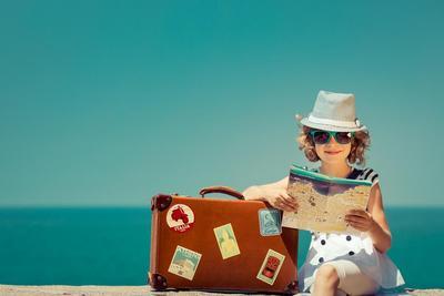 Jangan Sampai Tertinggal Moms, Ini 8 Barang Wajib Dibawa Saat Traveling!