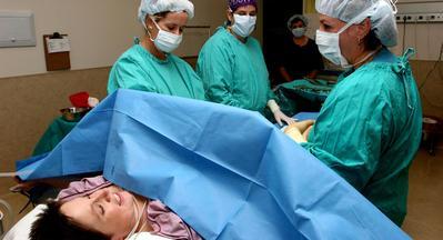 Tips Melahirkan, Atasi Rasa Takut Jelang Operasi Caesar dengan 5 Cara Ini