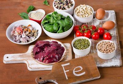 5 Makanan Kaya Zat Besi untuk Bayi, Intip Juga Resep MPASI-nya, Moms