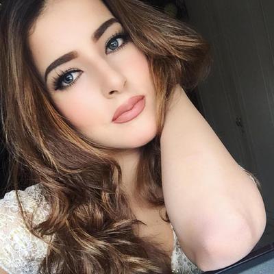 Biar Makin Cantik, Cek 5 Tips Memilih Lipstik Ala Tasya Farasya