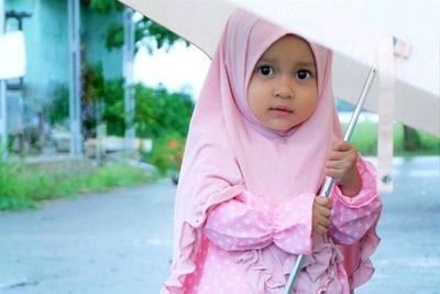 5 Tips Membeli Baju Muslim Anak, Pilih yang Nyaman dan Sesuai Karakter Si Kecil