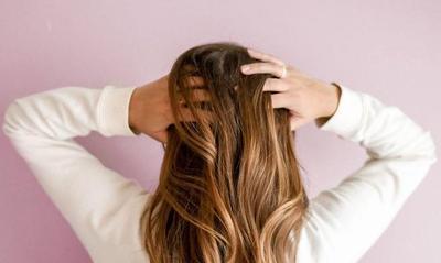 6 Rekomendasi Warna Rambut yang Cocok untuk Pemilik Kulit Sawo Matang