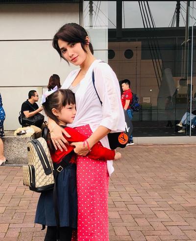 Cerita Ussy Sulistiawaty yang Bangga Elea Raih Juara di Olimpiade Matematika di Jepang