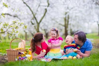 Penting Untuk Tumbuh Kembang, Ini Cara Membentuk Kedekatan Anak dengan Ayahnya