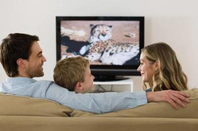 Temani Anak Menonton TV