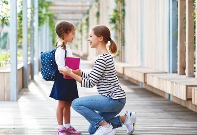 Anak Tantrum di Awal Masa Sekolah? Ini 5 Tips Mengatasinya, Moms