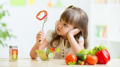 Jangan Memaksa, Ini 5 Cara Sederhana Membuat Anak Suka Makan Sayur dan Buah