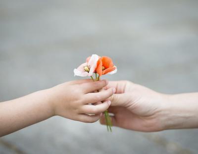 4 Cara Mengajarkan Anak Tanggung Jawab dengan Pekerjaan Rumah