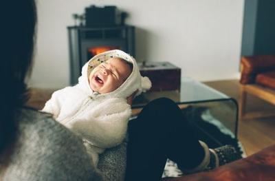 Bayi Menangis Karena Gangguan Jin? Begini Penjelasannya, Moms