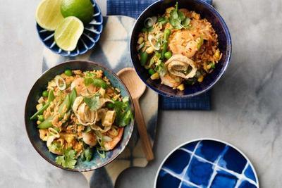 Rasakan Nikmatnya Masakan Thailand, Resep Nasi Goreng Tom Yum Ini Otentik Banget!
