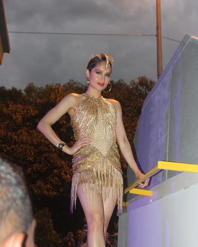 Tanpa Bayaran, Cinta Laura Kece Badai dengan Kostum Dayak di Jember Fashion Carnaval 2019