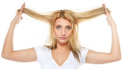 6 Penyebab Rambut Bercabang dan Cara Mengatasinya